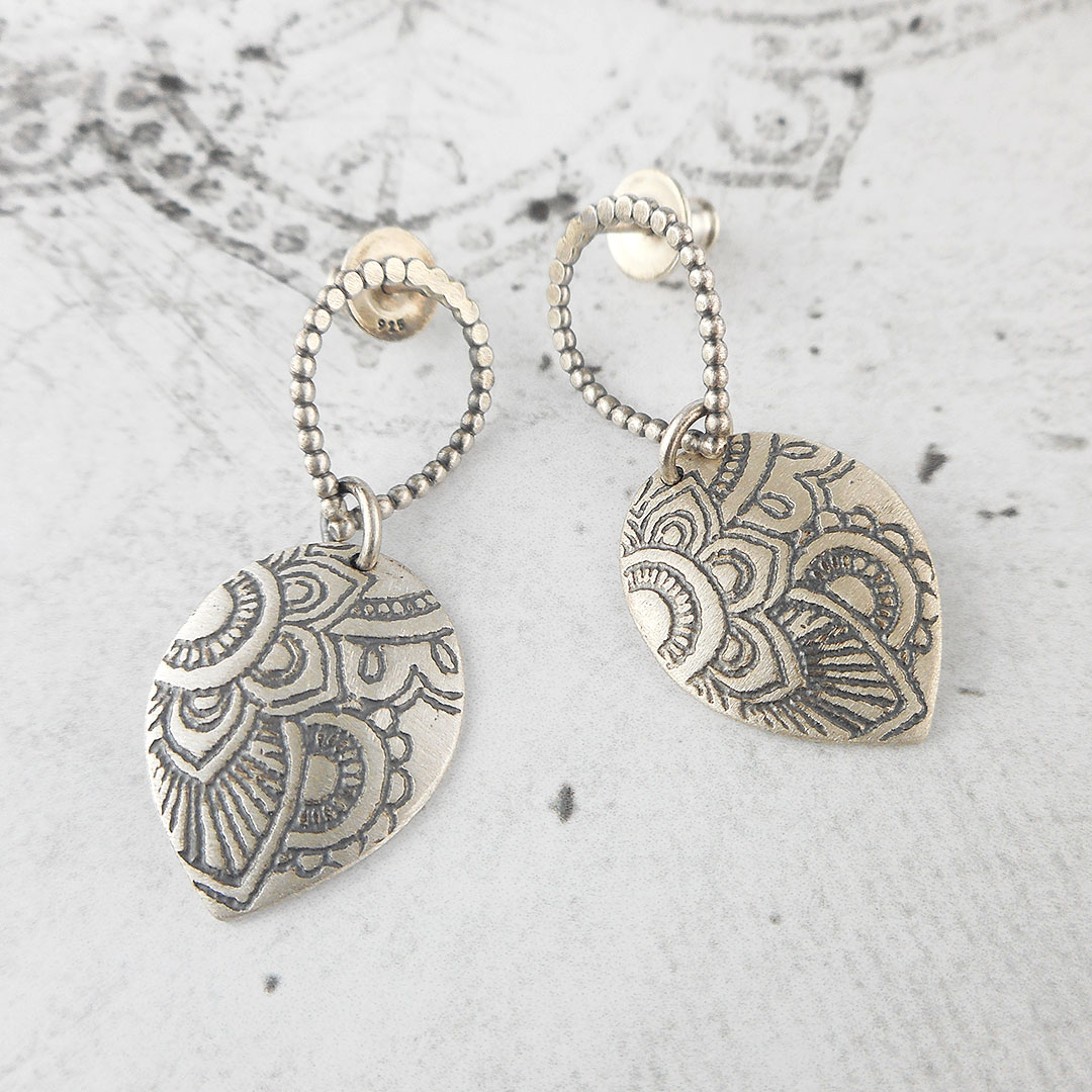 mehndi stud earrings