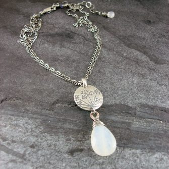 Hundkex Moonstone & Silver Drop Necklace