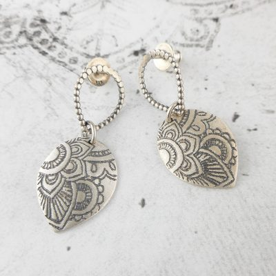 mehndi stud earrings