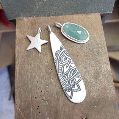 Aquamarine, Mehndi and star cluster pendant
